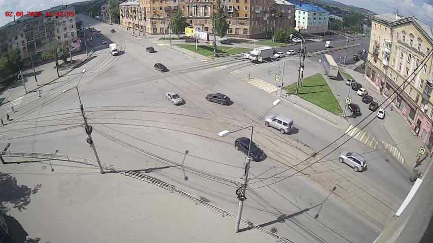 Перекресток ул. Фрунзе и ул. Космонавтов