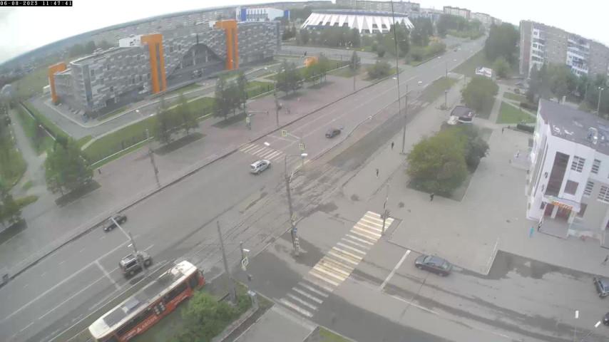 Перекресток Ленинградского пр-та и ул. Окунева