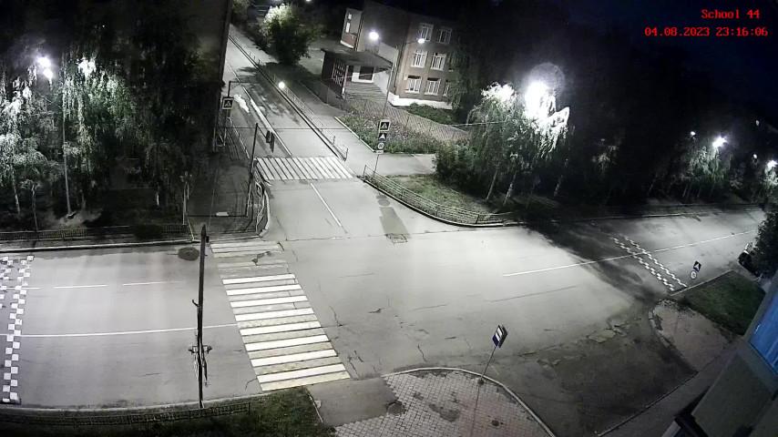 Пешеходный переход около школы № 44 (камера 1)